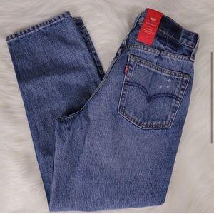 Size 28 Levi's